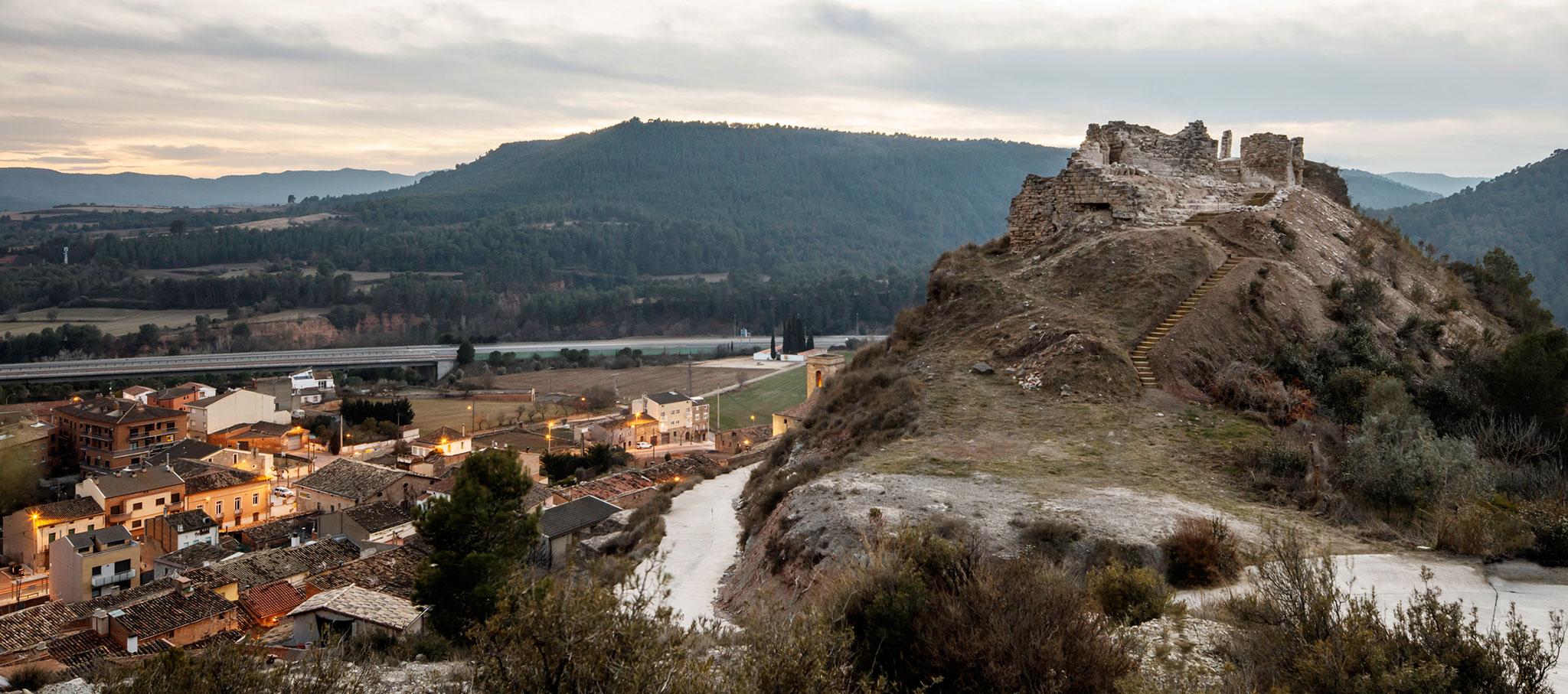 Recuperación del acceso al castillo de Jorba por Carles Enrich. Fotografía © Adrià Goula