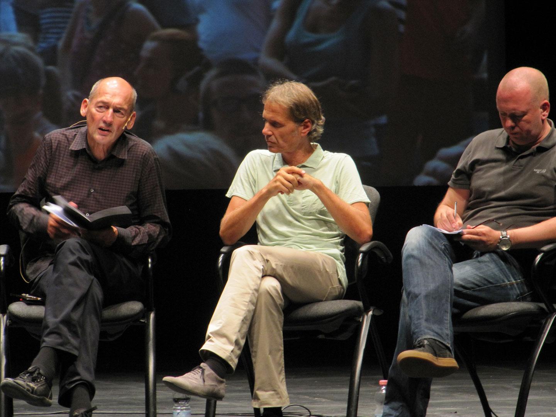 Rem Koolhaas hablando en Strelka Institute for Media, Architecture and Design