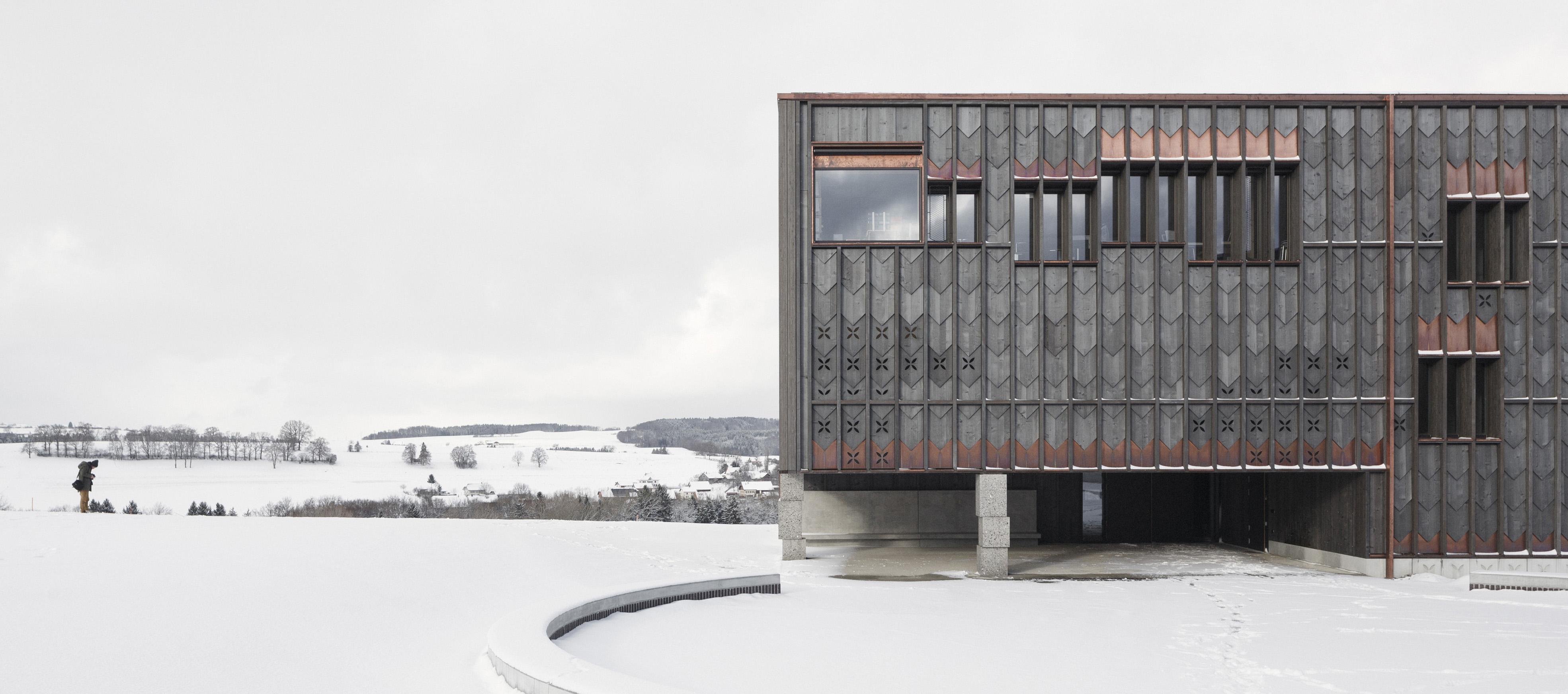 Escuela en Orsonnens por TED´A Arquitectes. Fotografía Luis Díaz Díaz