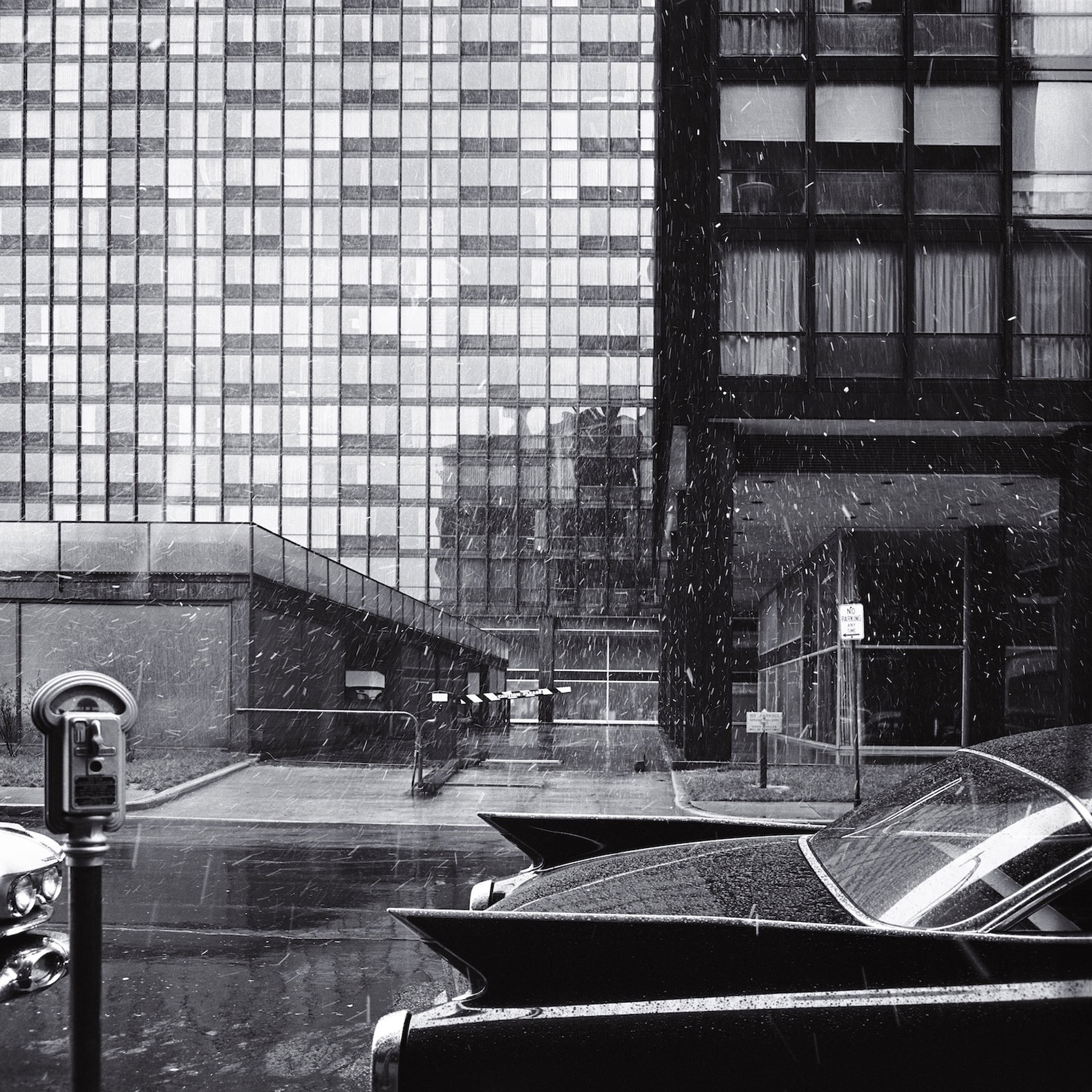 Balthazar Korab (Hungarian, 1926–2013), 860–880 Lake Shore Drive Apartments, Chicago, IL, 1960. Chromogenic print with metallic paper base, 11 x 11 inches. Courtesy Korab Image, Christian Korab, Minnesota. © 2018 Korab Image.