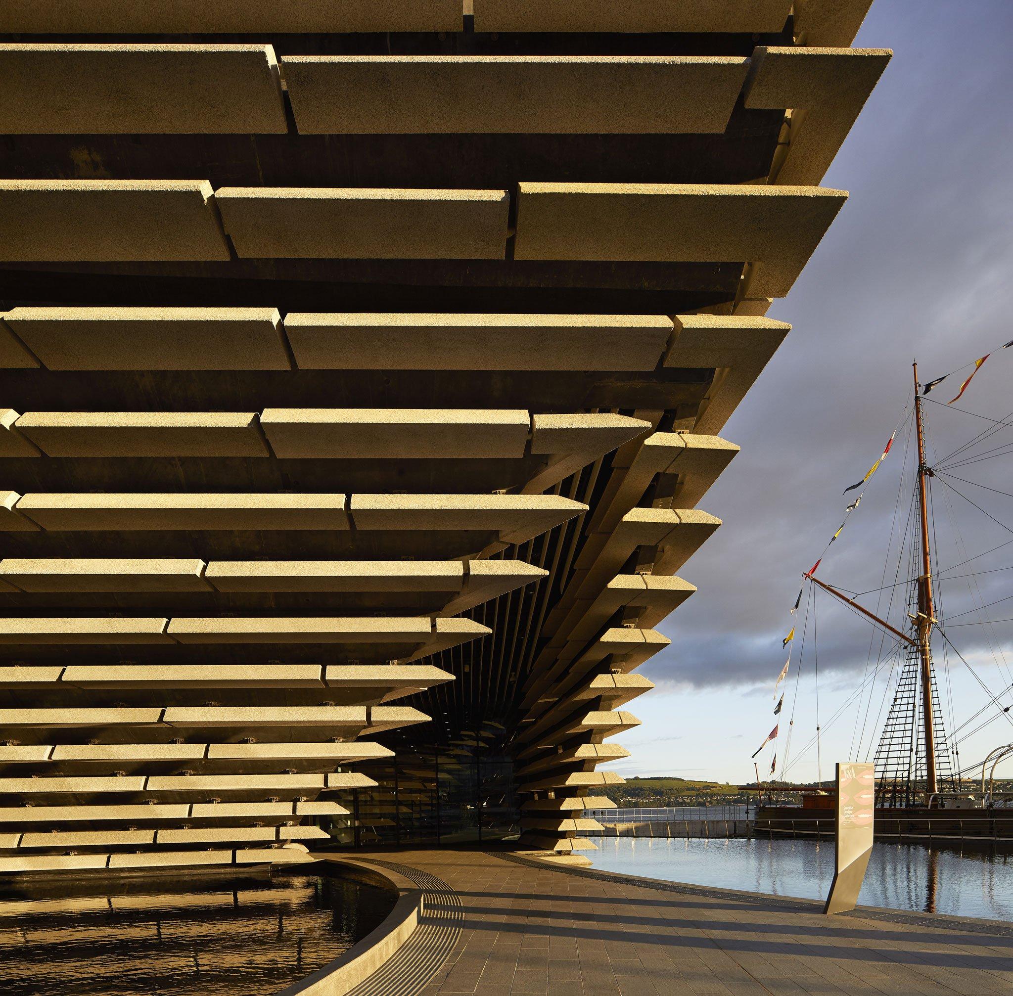 V&A Dundee Scotland por Kengo Kuma. Fotografía por ©Hufton+Crow