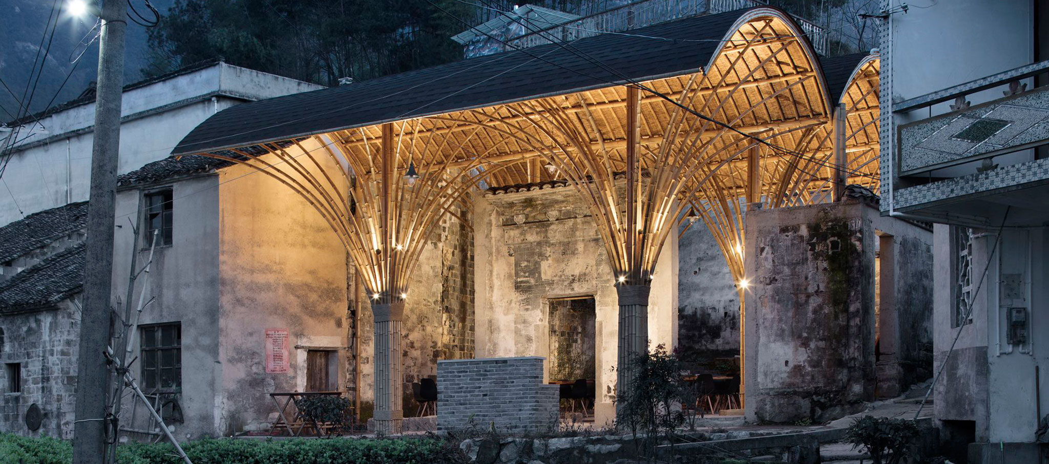 Night scene with bamboo grove. Village Lounge of Shangcun by SUP Atelier. Photograph by Xia Zhi