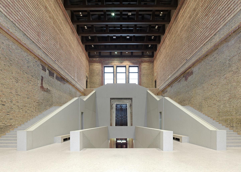 Escalera del Hall ©Stiftung Preußischer Kulturbesitz/DCA, photographer: Joerg von Bruchhausen