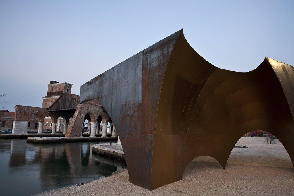 """Contribucción a La Bienal de Venecia. 2012. """"Radix"""" por Aires Mateus"""