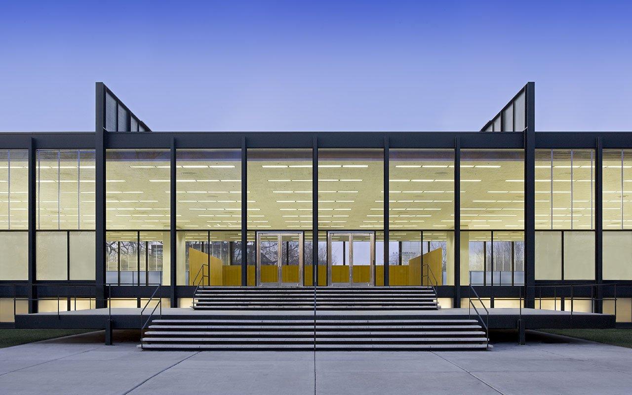 Restauración de Mies van der Rohe: S.R. Crown Hall por Krueck and Sexton Architects. Fotografía © Bill Zbaren. Cortesía de Krueck and Sexton Architects