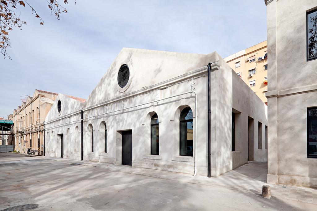 Alzado Fase 1. HANGAR: Centro de Creación de Artes Visuales, por Yaiza Terré + Arantxa Manrique. Fotografía © Adrià Goula