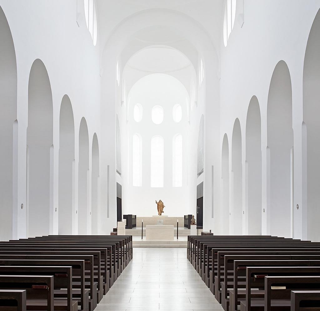 Iglesia de St. Moritz por John Pawson. Fotografía © Hufton+Crow