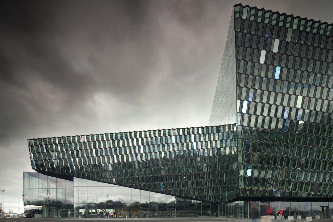 Premio Mies van der Rohe 2013. Harpa de Reikiavik por de Henning Larsen Architects, Batteríið Arquitectos y Studio Olafur Eliasson.Fotografía © Nic Lehoux