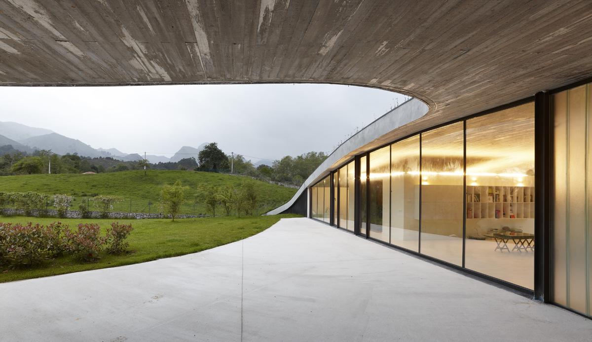 Vista exterior. Fotografía © Marcos Morilla. Cortesía de Longo+Roldán arquitectos