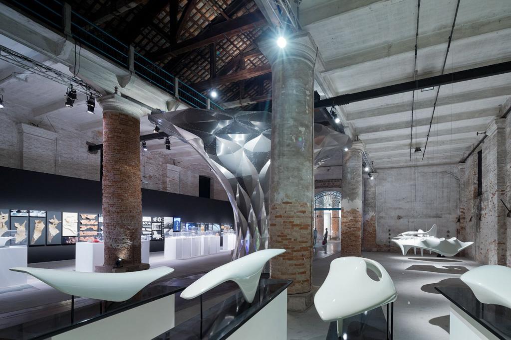 """Contribucción a La Bienal de Venecia. 2012. """"Arum shell"""" por Zaha Hadid. Fotografia © Iwaan Baan"""