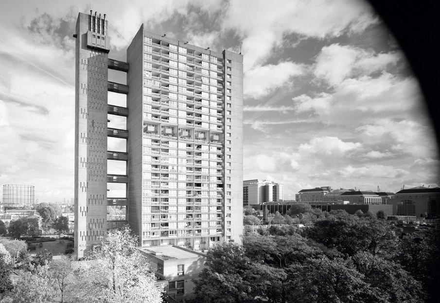 Balfron Tower #1. Photograph © Simon Terrill