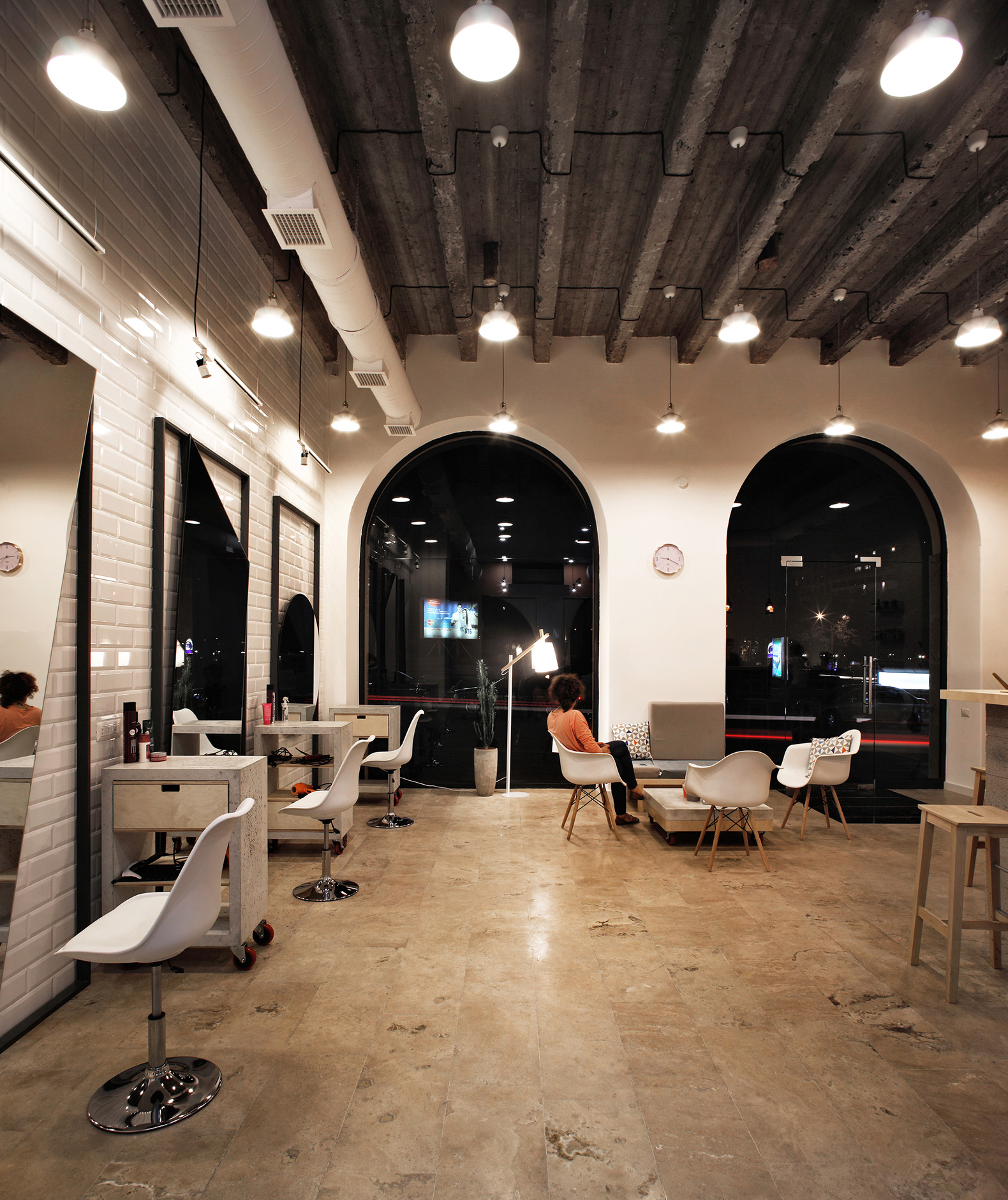 OD Blow Dry Bar By SNKH Architectural Studio