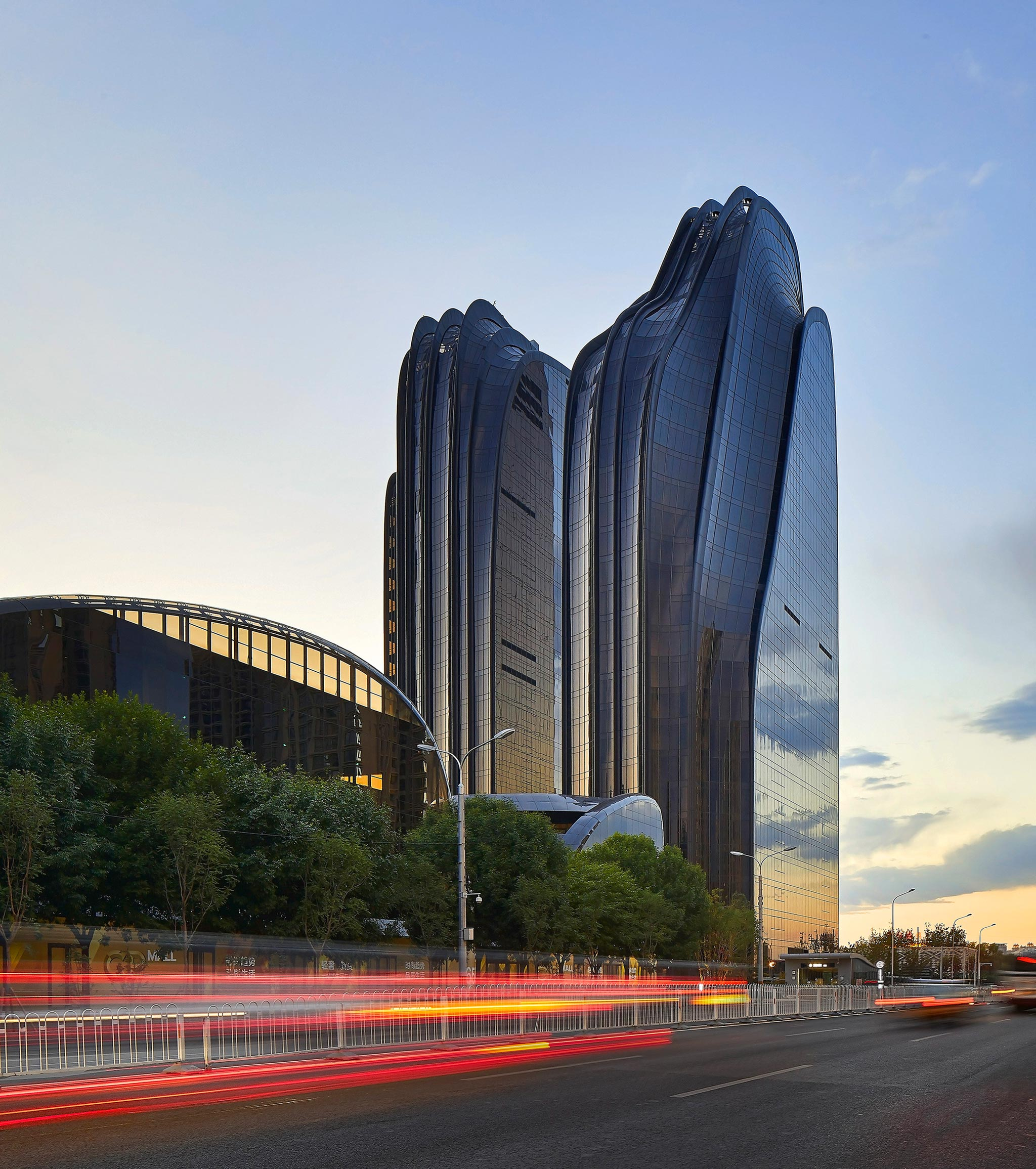 Mad architects completes chaoyang park plaza china for Hk architecture firm