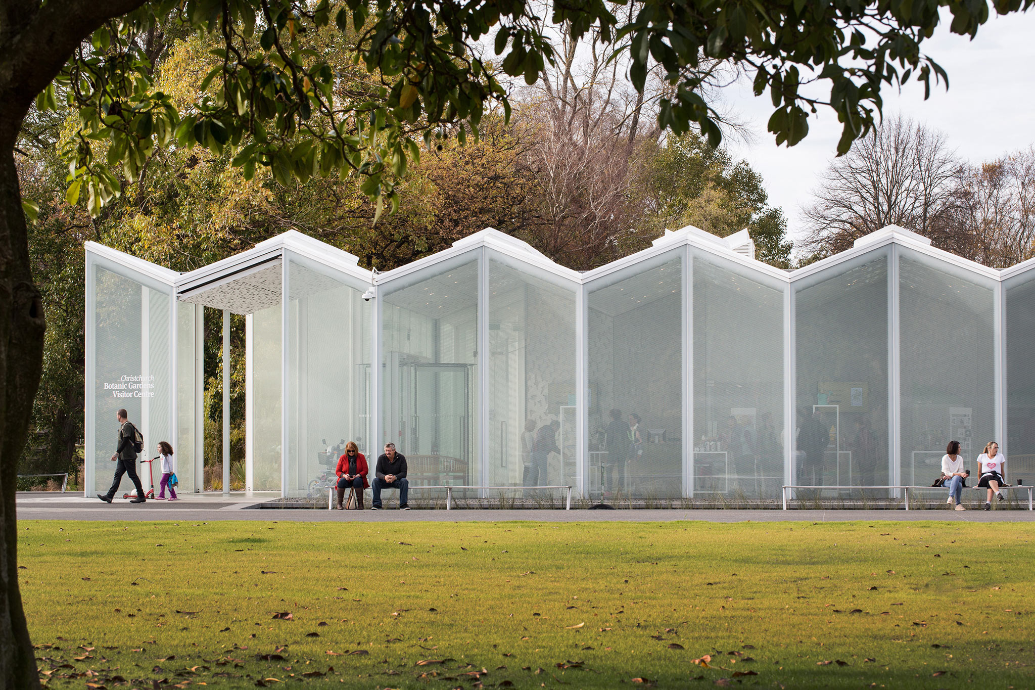 Christchurch botanic gardens visitor 39 s centre by patterson for Landscape gardeners christchurch