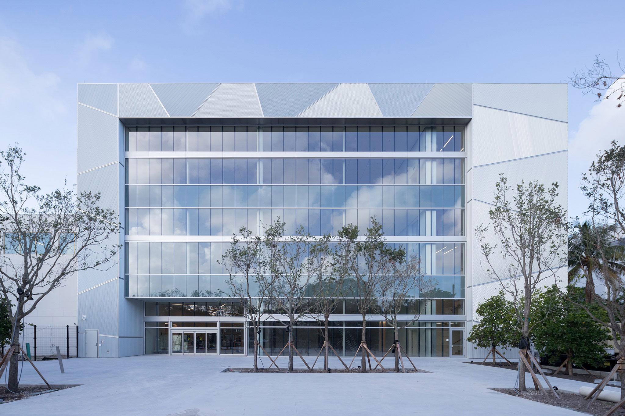 New Headquarters Of The Ica Miami Foundation By Aranguren  # Mutable Muebles