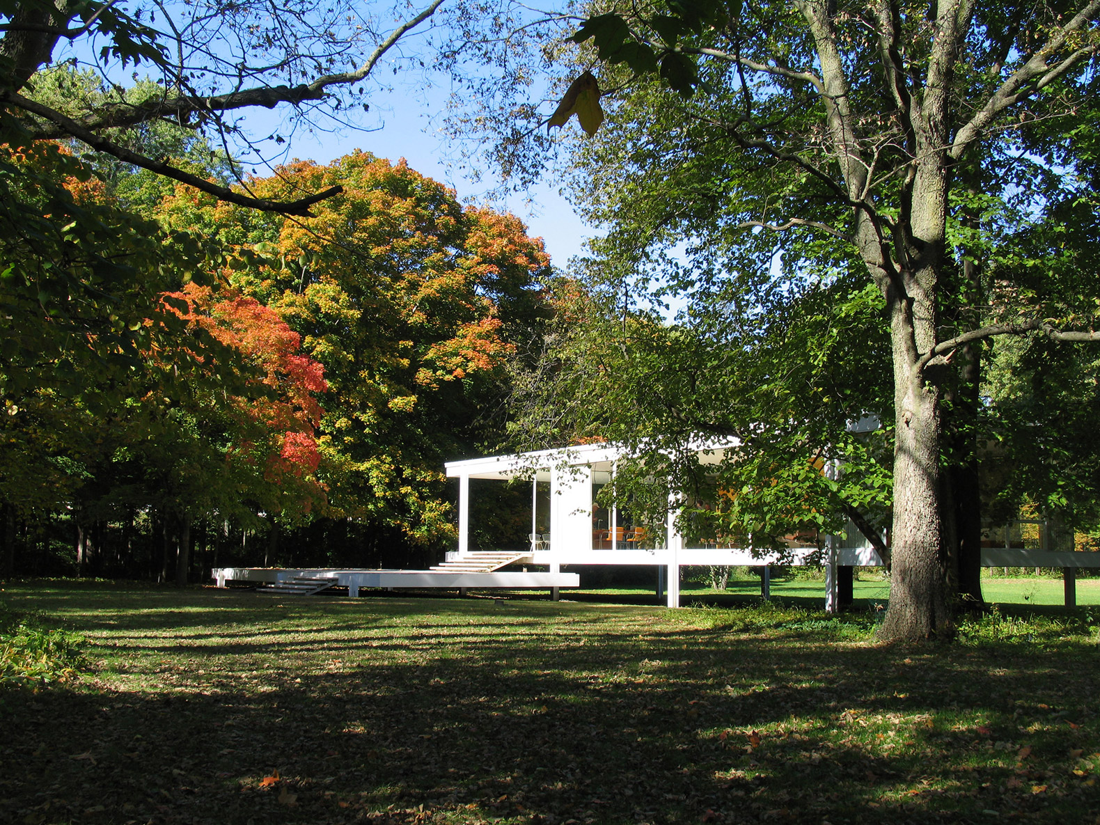 mies van der rohe and farnsworth house will have hollywood movie