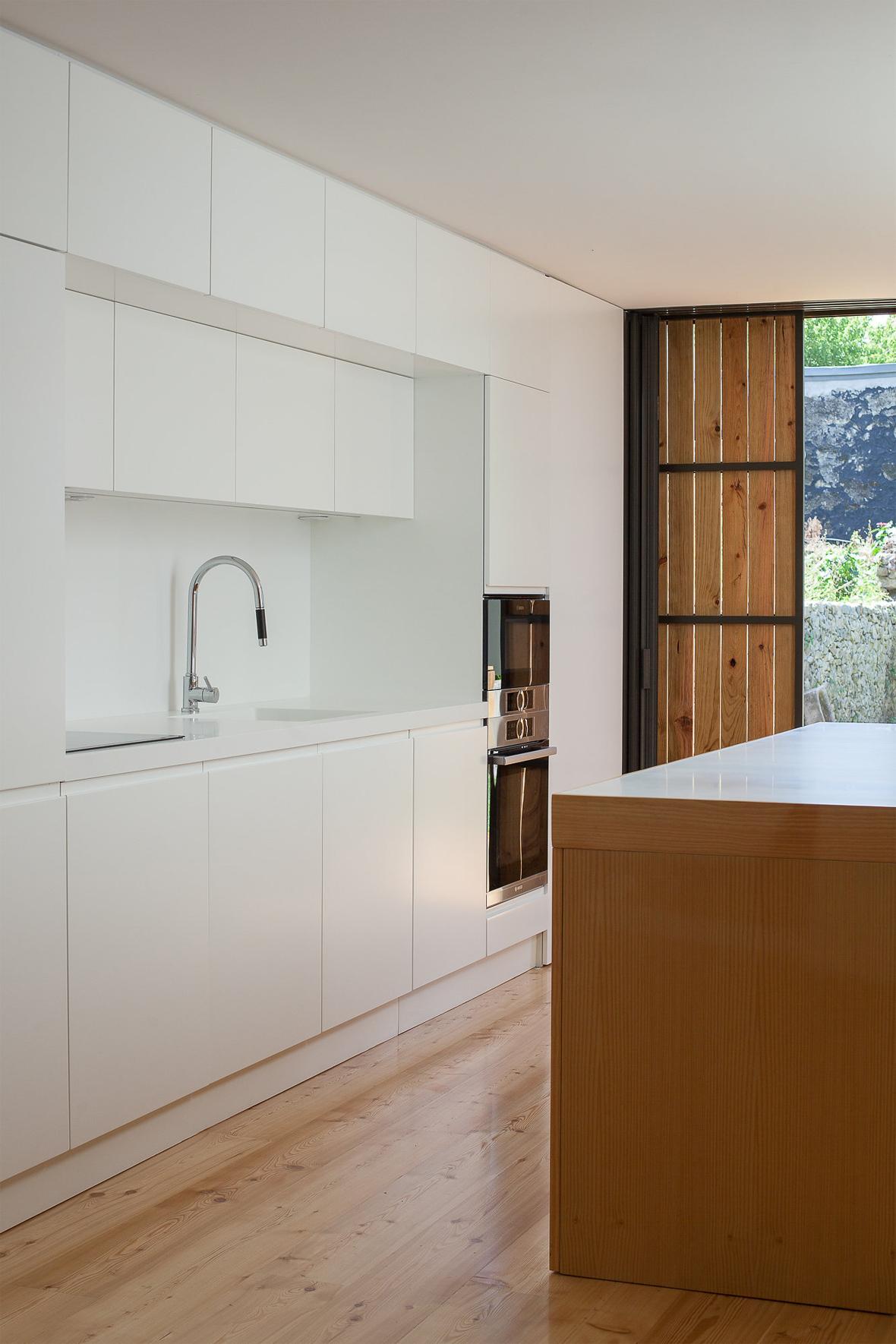 Boavista House by Pablo Pita Architects | METALOCUS