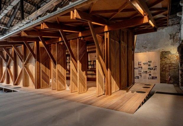 Structures of Mutual Support. Pabellón de Filipinas, XVII Edición de la Exposición Internacional de Arquitectura de La Biennale di Venezia. Fotografía por Andrea Avezzù