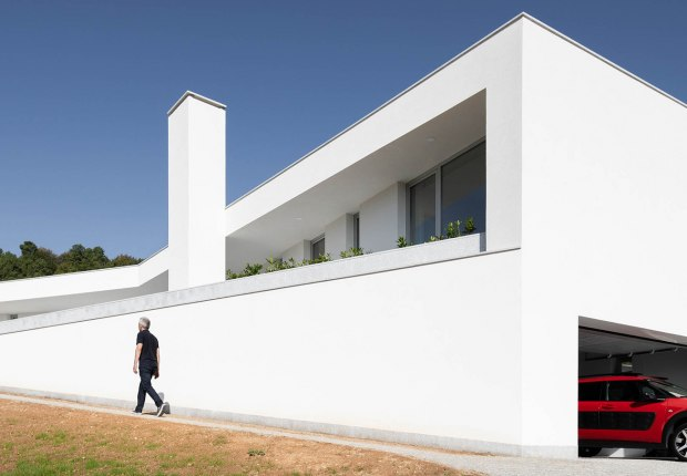 House in Lamego by António Ildefonso Architect. Photograph by Ivo Tavares Studio
