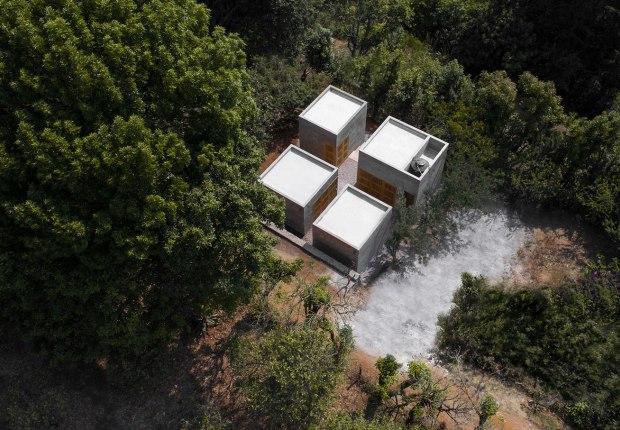 """""""Casa Rosario"""" by Dosa Studio + Rojkind Arquitectos. Photograph by Oscar Hernández & Zaickz Moz"""