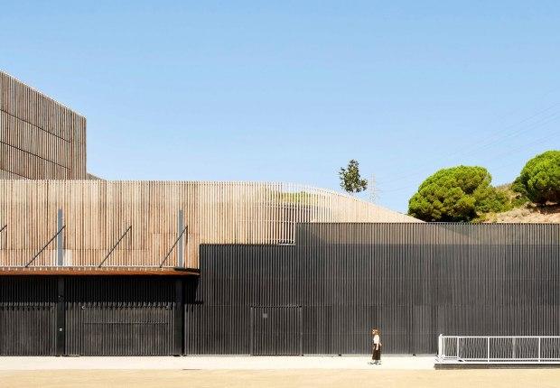 Centro de medicina comparativa y bioimagen por Calderon-Folch Studio, Sarsanedas Arquitectura y COMA Arquitectura. Fotografía por José Hevia