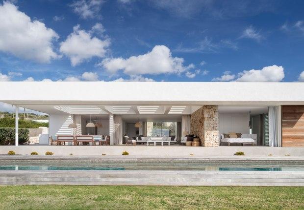 Casa M by Gabriel Montañés. Photograph by Adrià Goula