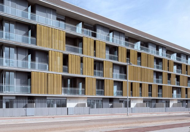 Mirador de la Albaida, 40 viviendas por Gabriel Verd Arquitectos + Buró4 Arquitectos. Fotografía por Jesús Granada