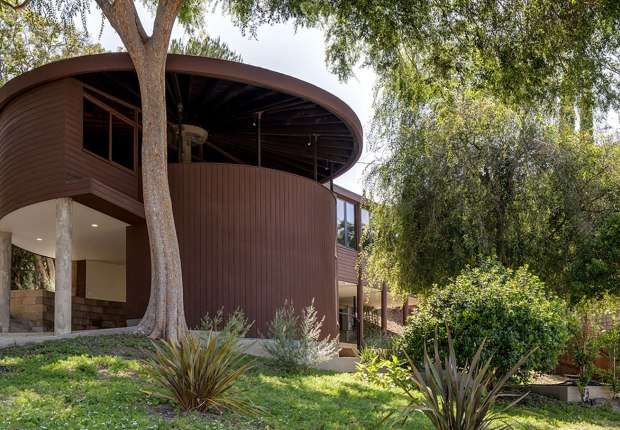 John Lautner's Sherman Oaks house. Image courtesy of realtor