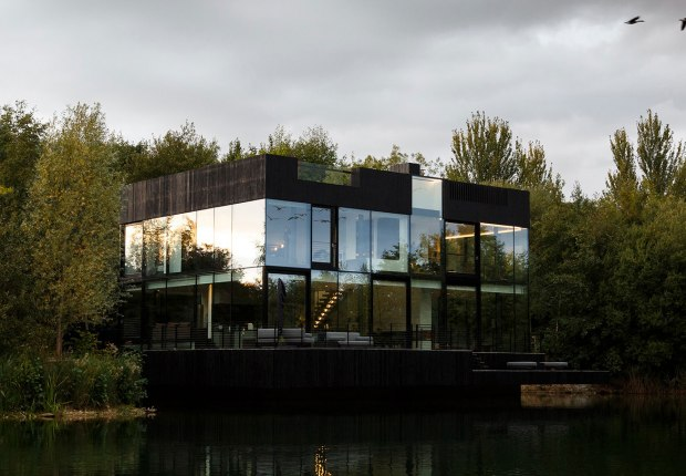 Villa on the lake by Mecanoo architecten. Photograph by mariashot.photo