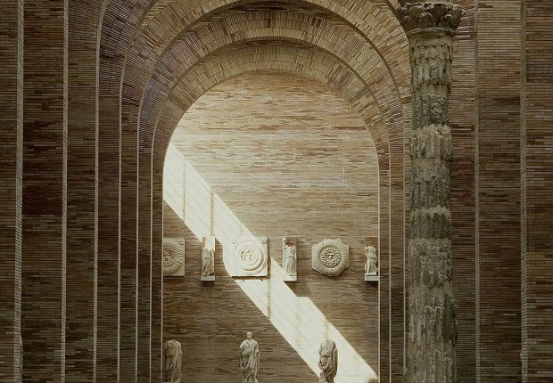 Interior view of the Museum of Merida by Rafael Moneo. Photography by Lluis Casals