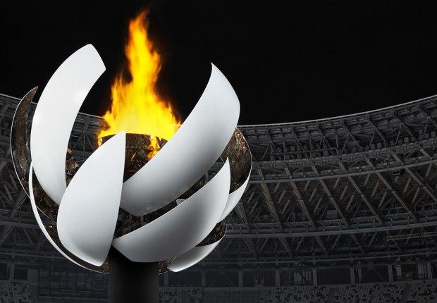 Antorcha olímpica de Tokio 2020 por Nendo. Imagne por Ikki Yamaguchi