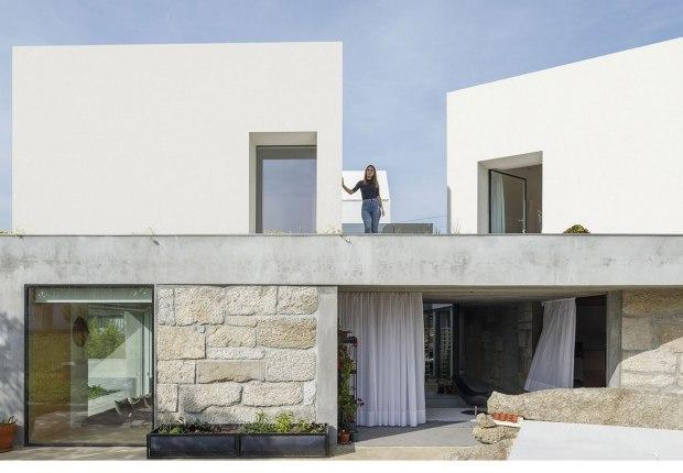 Casa Rio por Paulo Merlini Architects. Fotografía por Ivo Tavares Studio