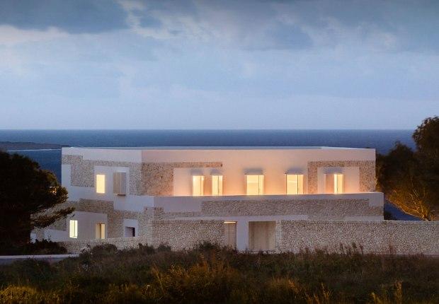 Stone House por Nomo Studio. Fotografía por Joan Guillamat