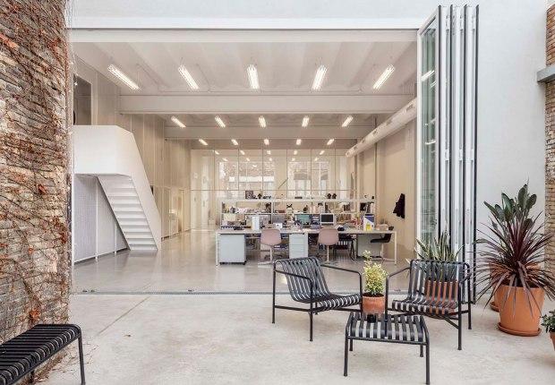 Warehouse Barcelona por Thomas Raynaud architectes, Paul Devarrieux architecte. Fotografía por Àdria Goula.