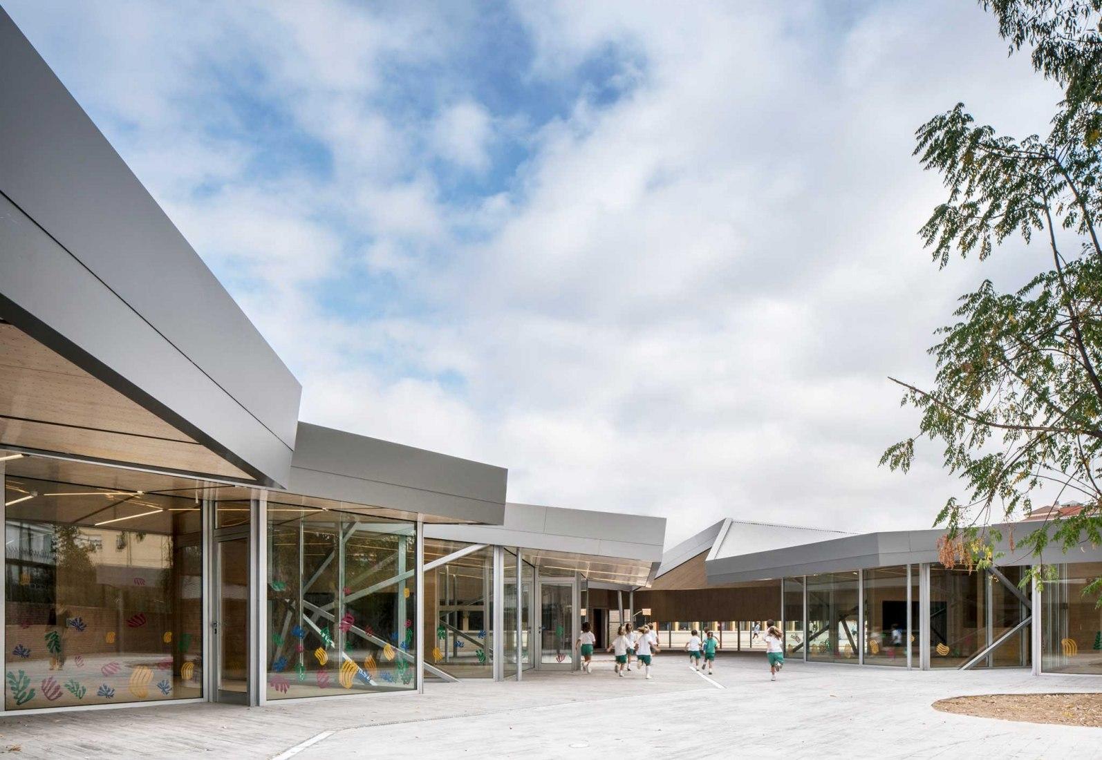 Nursey School BVMI by MGM Arquitectos. Photograph by Jesús Granada.