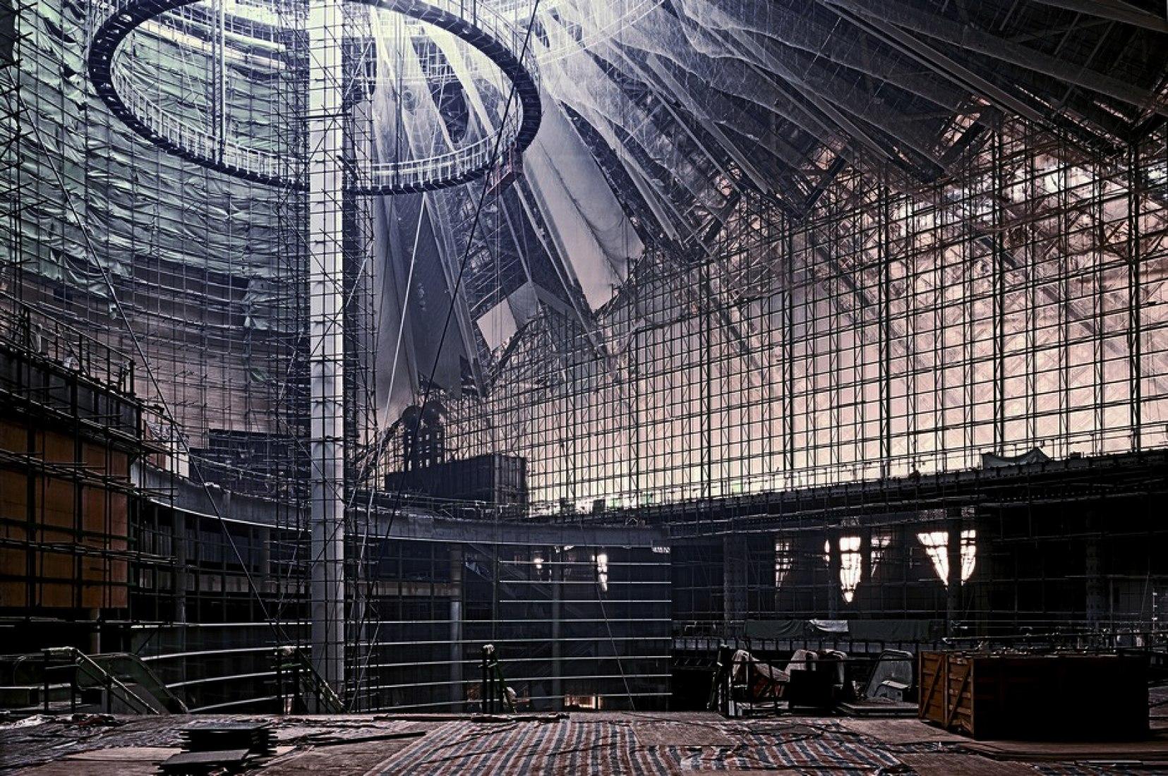 Main Hall (CBD ) 2005 Photograph/paper Kodak Profesional Endura / 256,4 X 178,5 cm. METALOCUS 022.