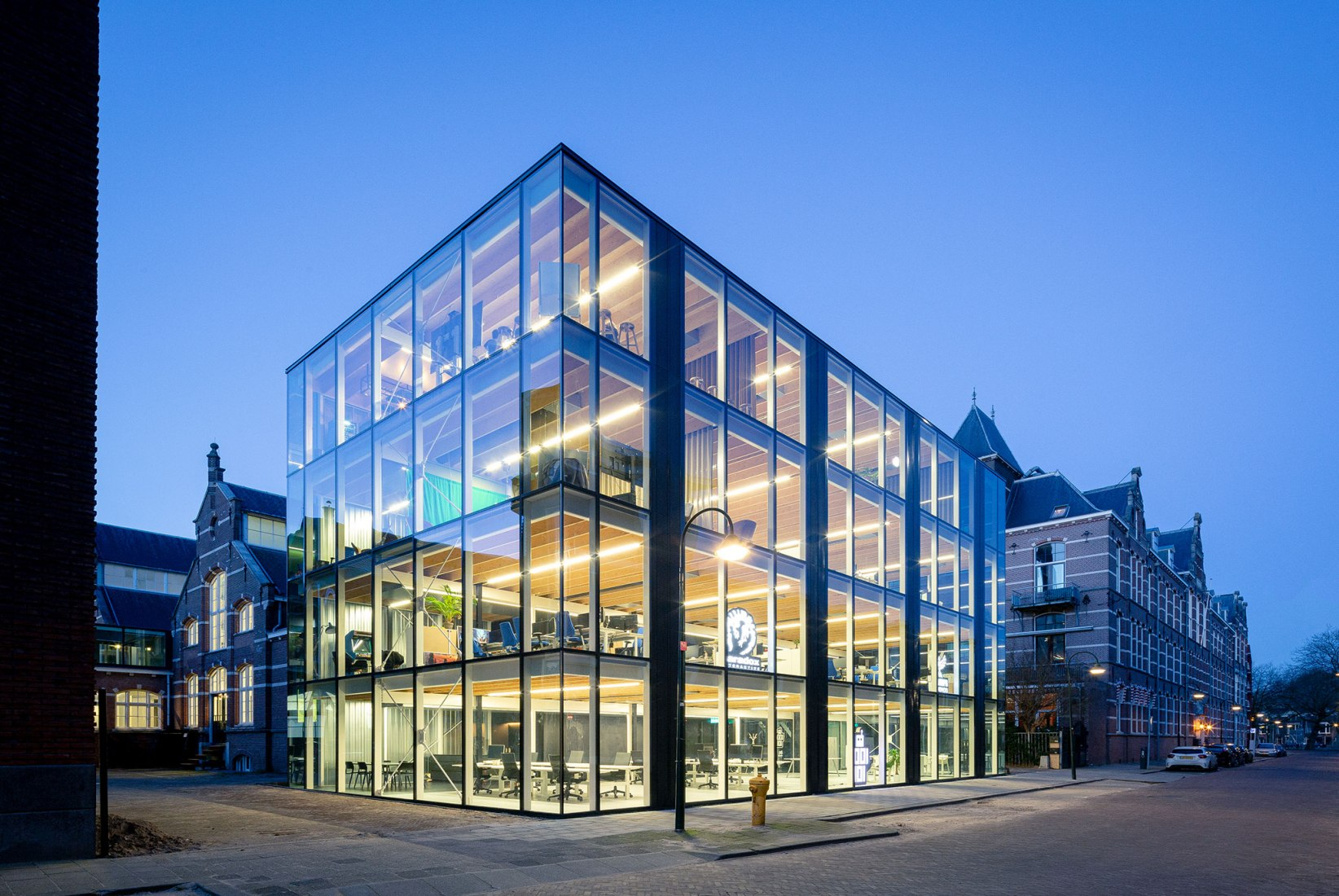 Building D(emountable) by cepezed. Photograph by Lucas van der Wee / cepezed