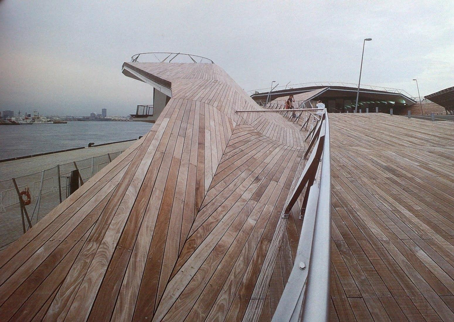 Foreign Office Architects, Terminal portuaria internacional, Yokohama 1995-2002
