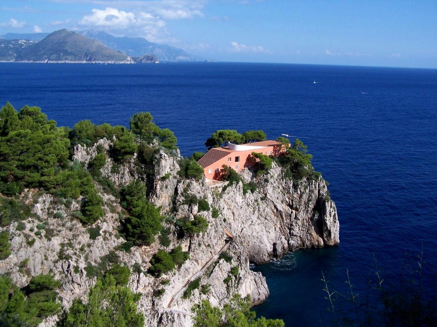 Casa Curzio Malaparte en Punta Massullo, Capri. Arquitecto.-  Adalberto Libera 1937. Isabel Escudero Herrera.