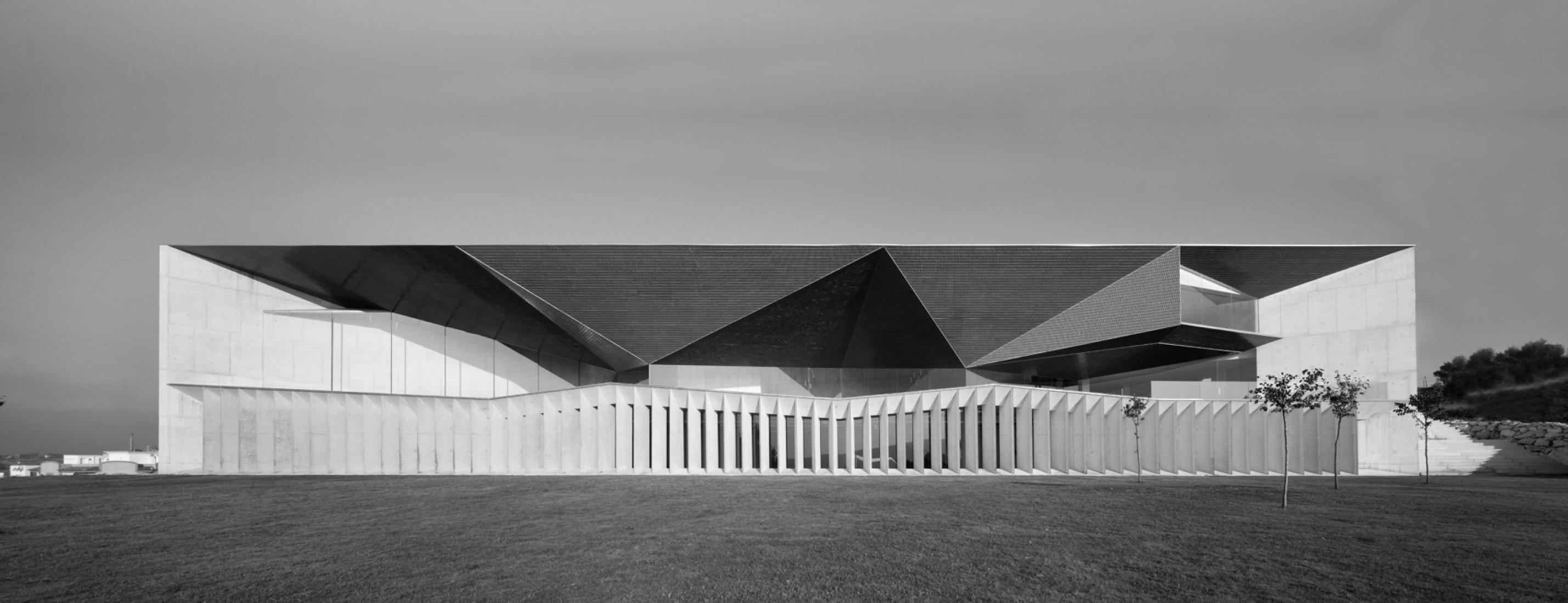 Exterior. Auditorio de Teulada, Teulada-Moraira, Alicante. Foto © Juan Rodríguez.