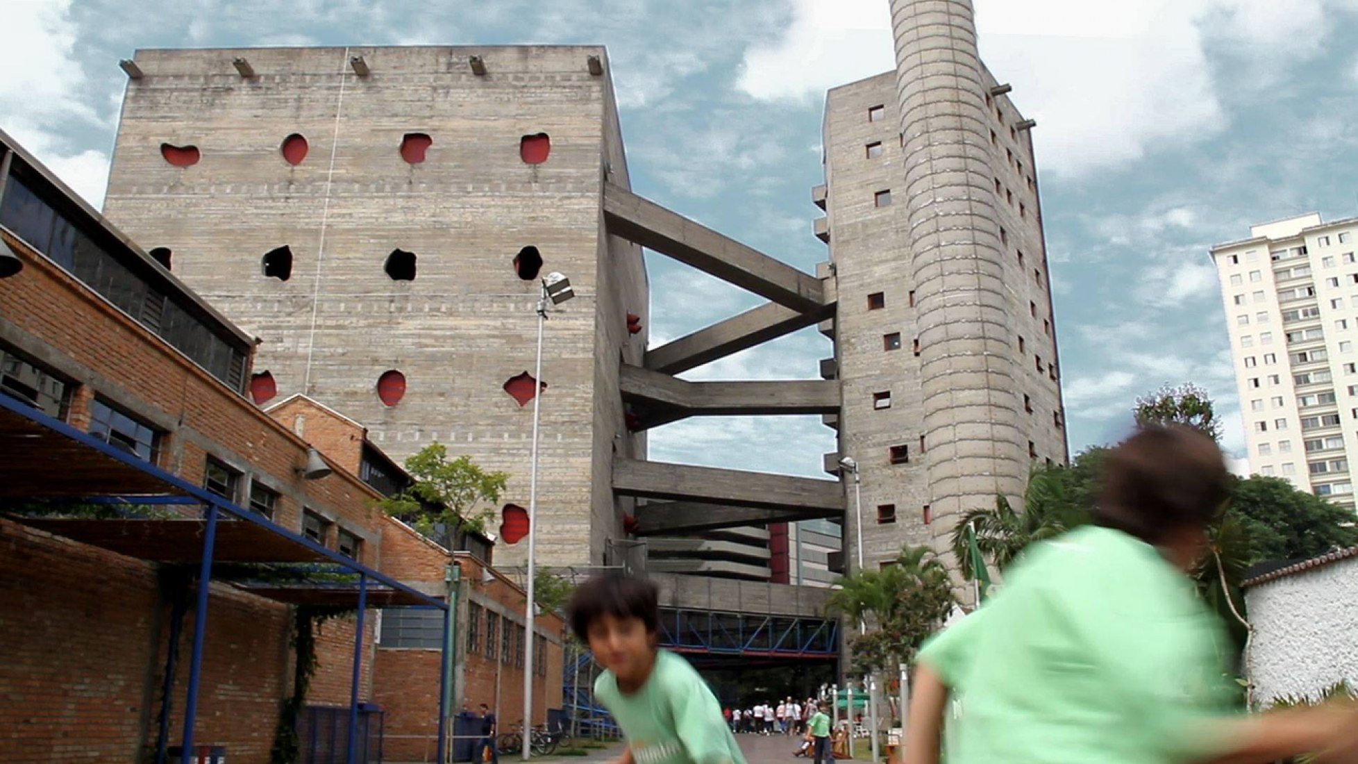 The São Paolo Recreational Center, Lina Bo Bardi. Photography © Tapio Snellman.