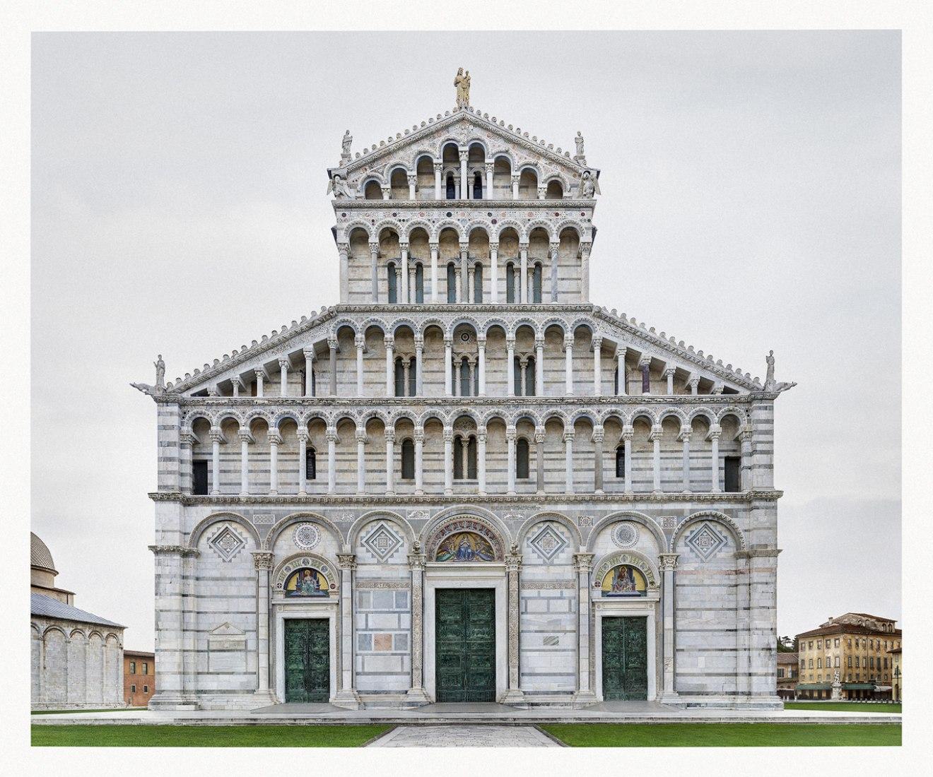 Façades. Markus Brunetti, Duomo Santa Maria Assunta, Pisa. Phtography © Markus Brunetti 2014. Courtesy of MAKK.