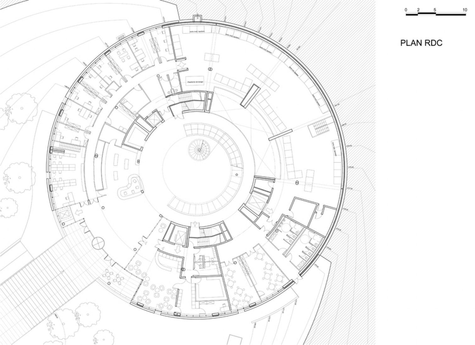 Plano de planta de accesos. © por Bernard Tschumi Architects.