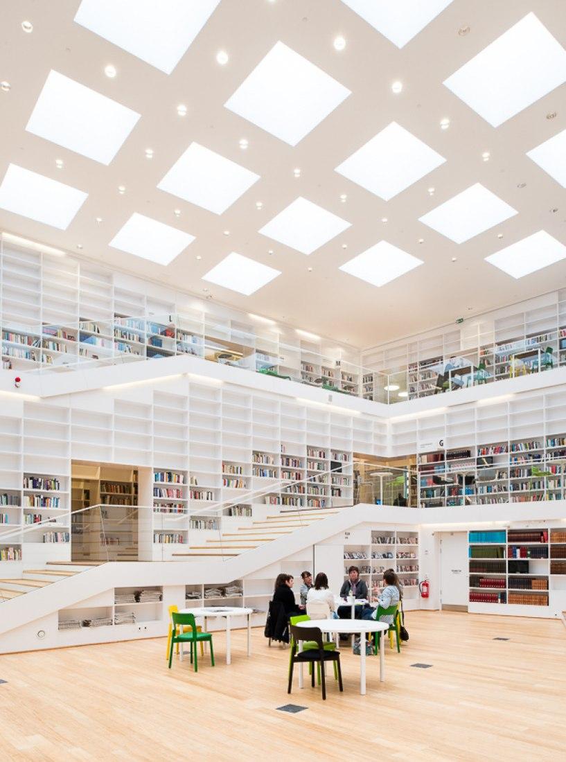 Dalarna University Library by ADEPT. Photography © Barabild.