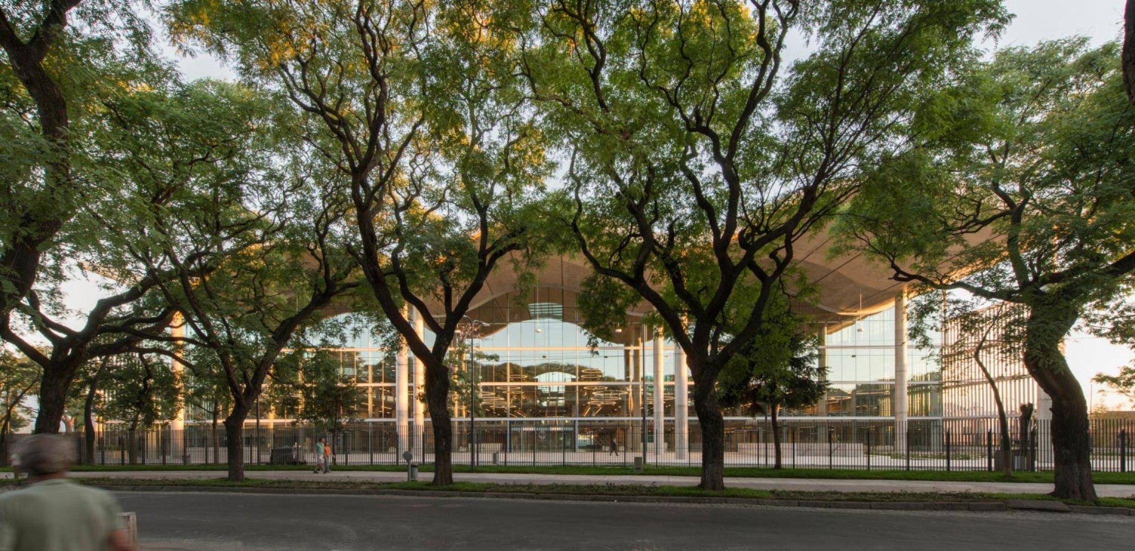 Nuevo Ayuntamiento en Buenos Aires por Foster + Partners. Imagen cortesía de Foster + Partners.