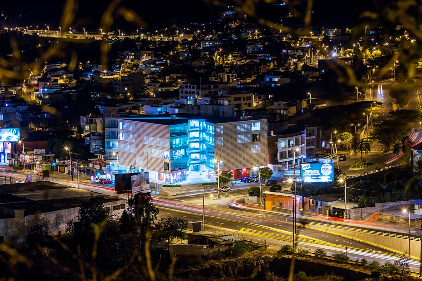Edificio Halcón por TEC Taller EC. Fotografía © Sebastián Crespo.