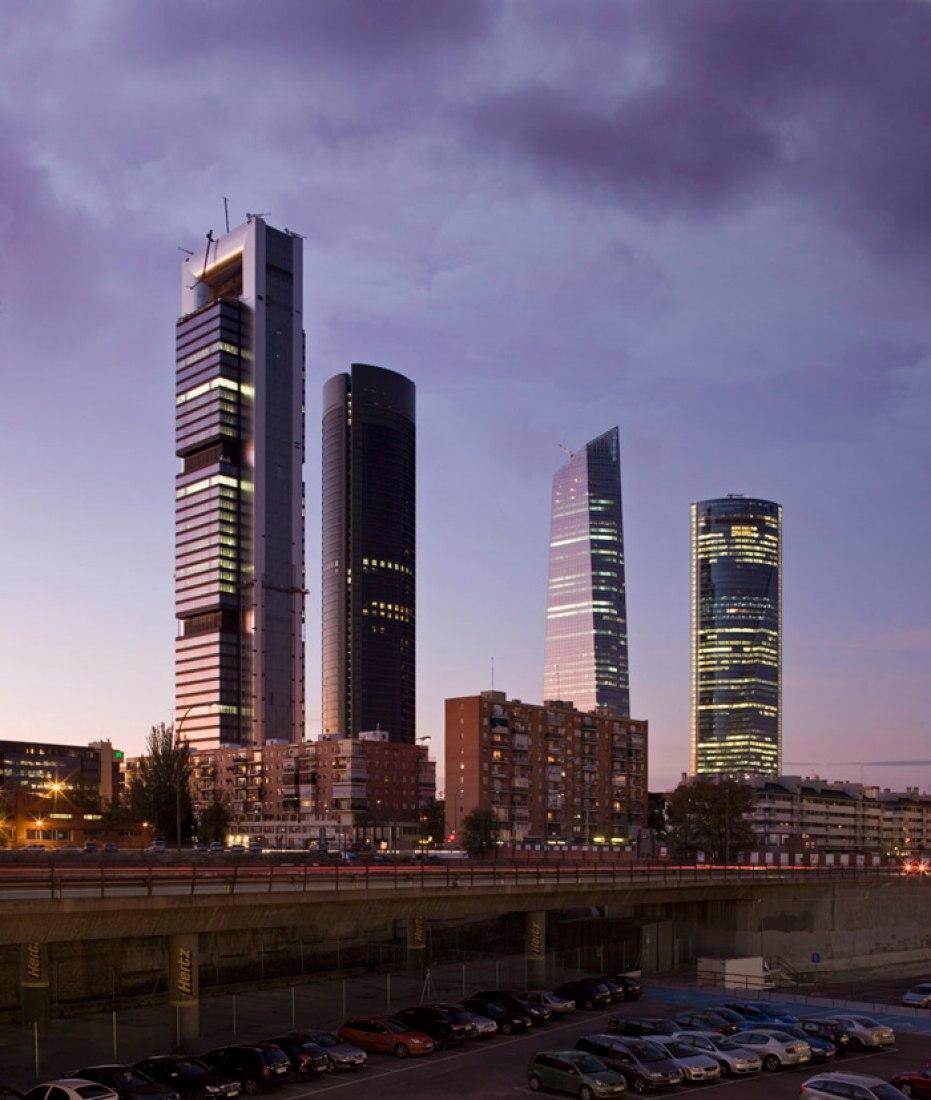 Cuatro Torres Business Area, Madrid. Photography © Miguel de Guzmán.