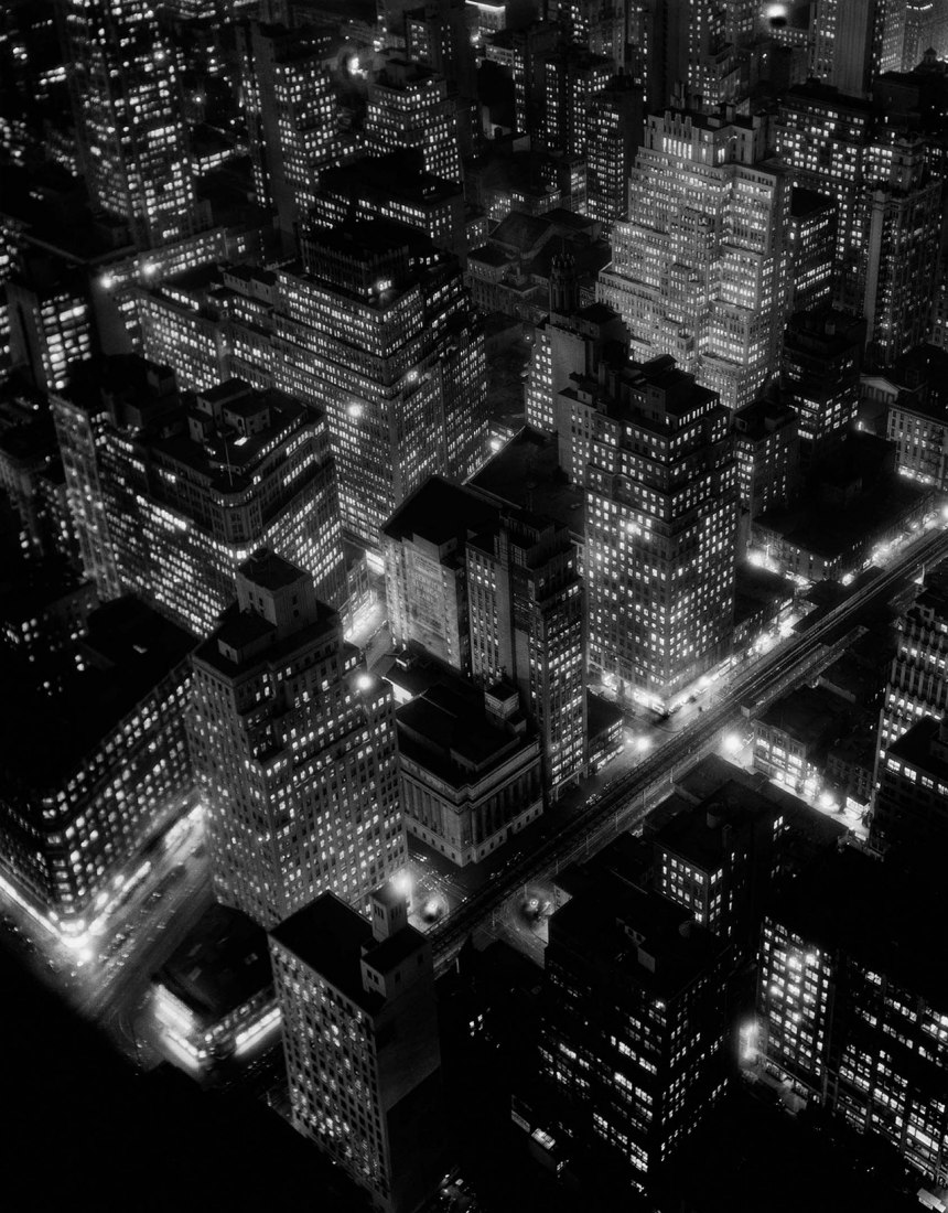 Berenice Abbott. Night view, New York City, 1932. Photography © Berenice Abbott, Courtesy of Ron Kurtz and Howard Greenberg Gallery, New York.