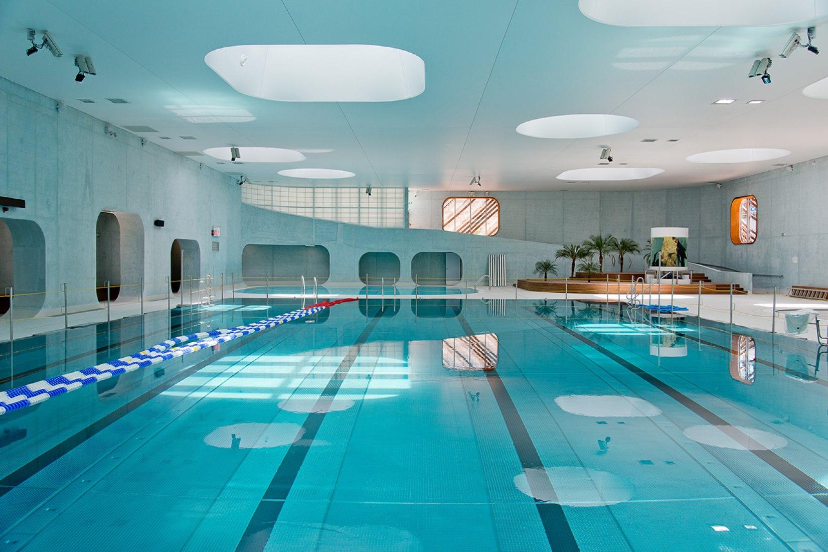 Feng Shui swimming pool by Mikou Studio. Photograph © Ville d'Issy-les-Moulineaux.