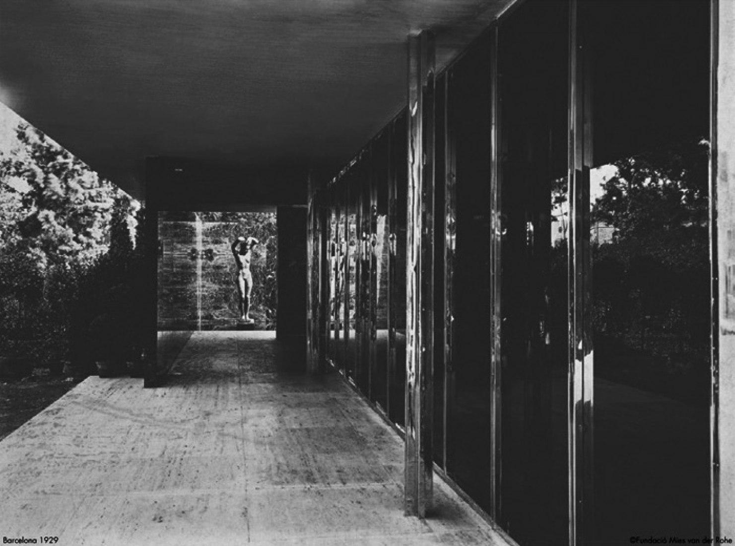 El Pabellón de Mies sin Puertas 1929.  Fotografía © Fundación Mies.